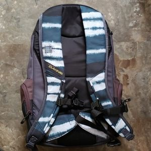Dakine Bags - Dakine snowboard backpack nwt